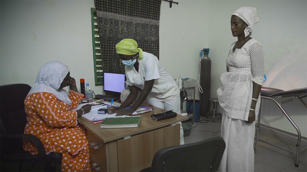 3 2 1 Consultation de depistage au Centre de Pire Senegal Photo FBOA slash O point Balafrej