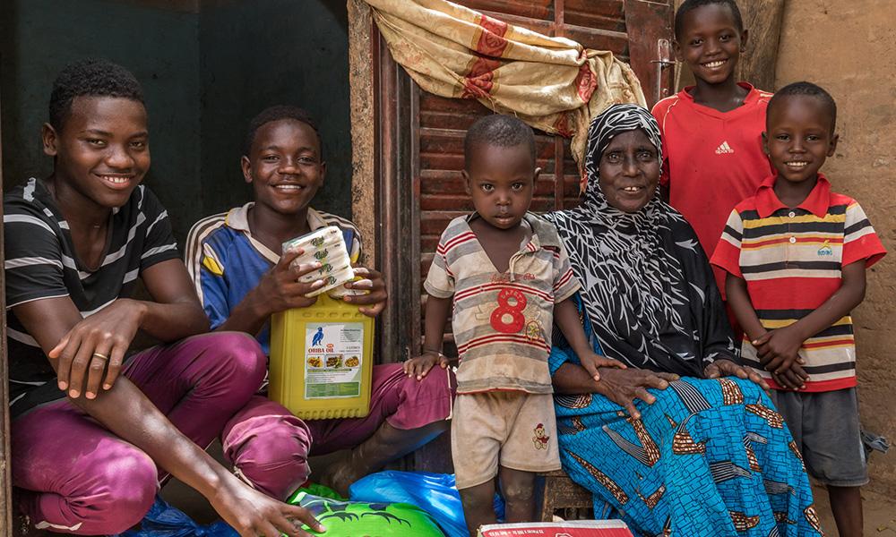 3 3 1 Distribution alimentaire au Niger Photo FBOAslash Absatou Bagaya3 1 1